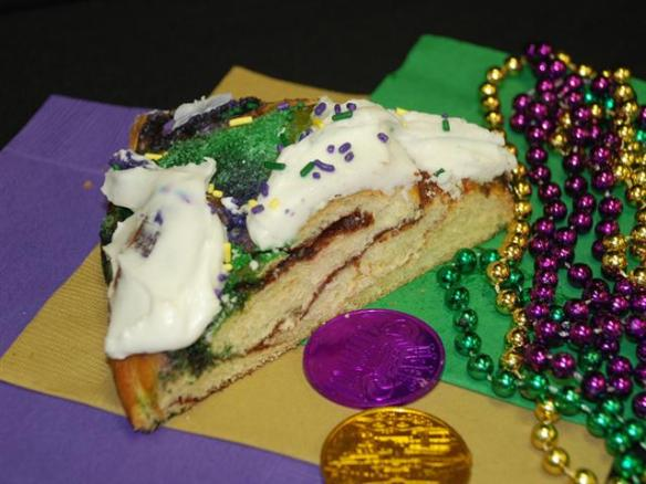 Randazzo King Cake (Small)