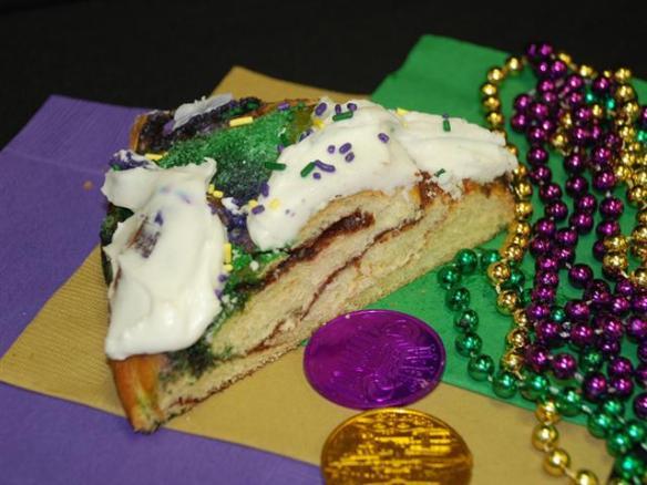 Randazzo King Cake (Small)